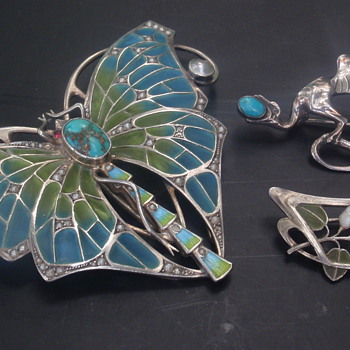 Jugendstil Plique-a-jour Enamel Brooches & Buckle