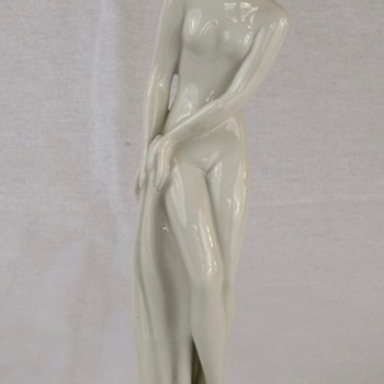 Czechoslovakia Porcelain Figurine of Young Woman
