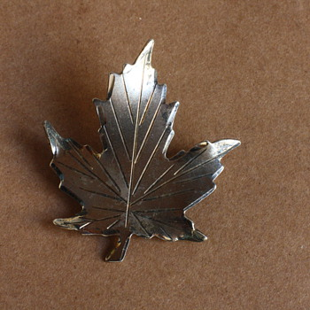Sterling maple leaf brooch