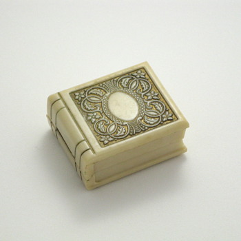 book ring box