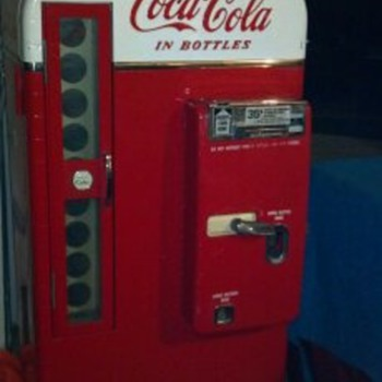 Nice Original Coke Vendo 81 / D