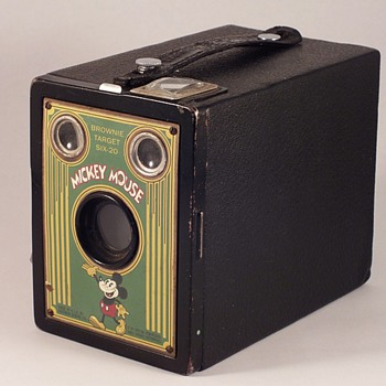 KODAK'S BROWNIE TARGET SIX-20 CAMERA MICKEY MOUSE FACEPLATE  - Cameras