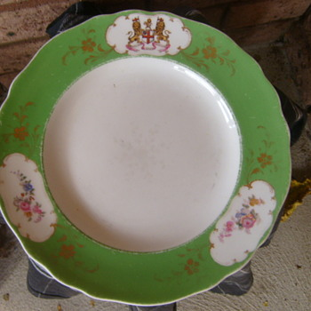 Boucher & Co London East India Company plate c1783.