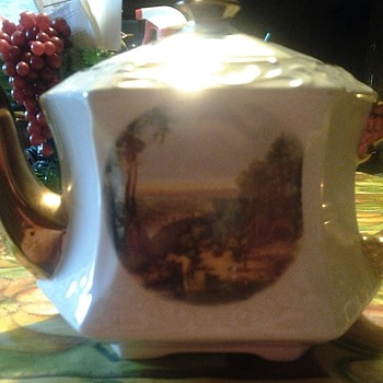 wood and sons teapot - China and Dinnerware