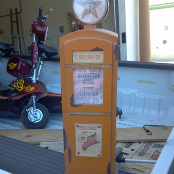 Mini Texaco Fire Chief Gas Pump - Petroliana