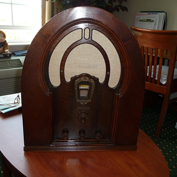 Identify This Philco Please - Radios