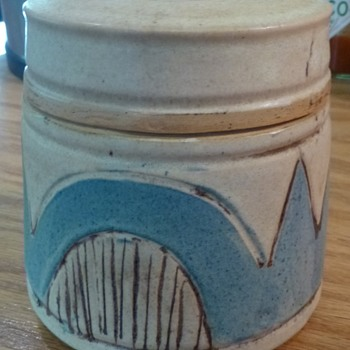 Unknown artist of illustrator inspired(?) pottery