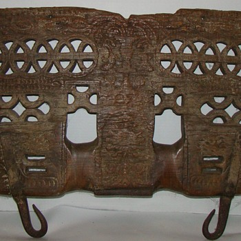 12th-14th c.(estimated)carved wooden object - Folk Art