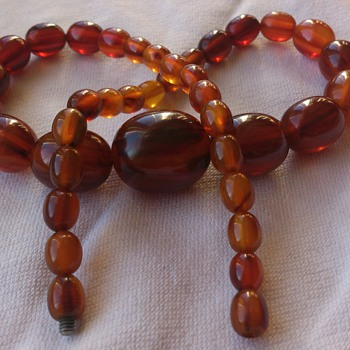 Lovely bakelite necklace