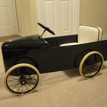 Old Pedal Car (1930s?)   - Model Cars