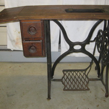 1879 Singer Sewing machine table - Sewing