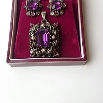 Beautiful Jewelcraft Vintage Set - Costume Jewelry