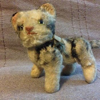 Steiff Kitty Cat Sitting  5310