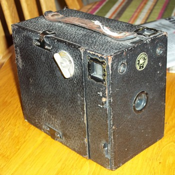 OLD ENSIGN  BOX CAMERA - Cameras