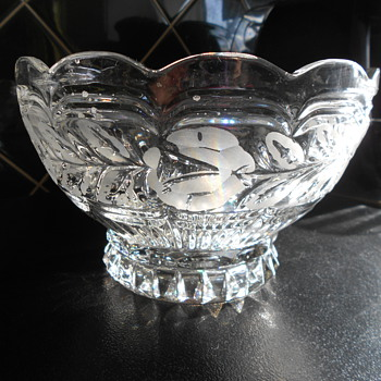 Etched heavy glass/crystal bowl. - Glassware