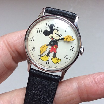 How old is my Mickey Mouse watch? - Wristwatches