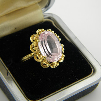 Antique Victorian Pink Sapphire?  Zircon? Step Cut 750 18k Ring
