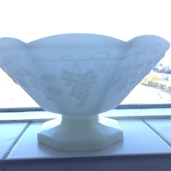 White glass fruitbowl