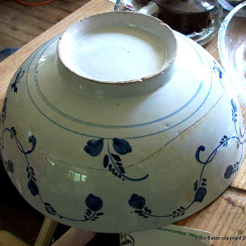 Delft(?) China (Chinese?) Bowl Blue and white, Tin glaze(?),Dutch? What ???