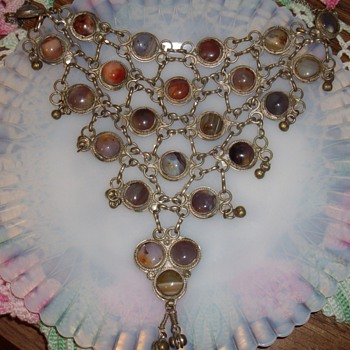 Huge Bib necklace w/agate stones.
