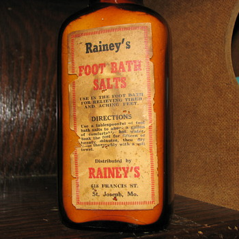 Rainey's Foot Bath Salts Full of Product in Amber Bottle St. Joesph, Missouri - Bottles