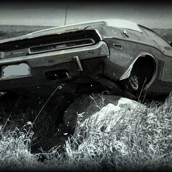 1971 - DODGE CHALLENGER CAR ( ummm....Accident )