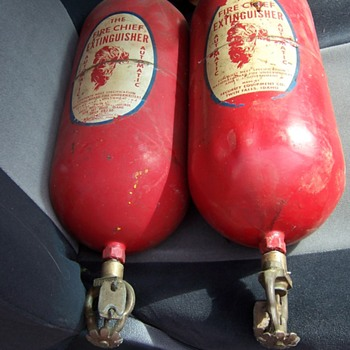 Help identify this fire extinguisher