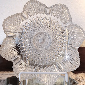 American Brilliant Cut Glass Bowl.  Meriden Cut Glass Company. - Glassware