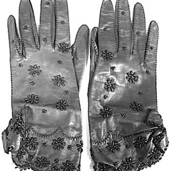 Anita Loos Owned c. 1940's Black Leather and Black Beaded Gloves  - Womens Clothing