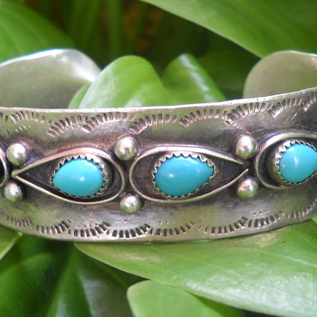 Native American Sterling cuff... looking for info - Native American