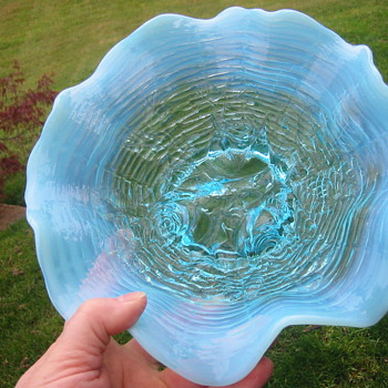 Northwood Rose Show Blue Opalescent Dish