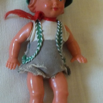 Hard plastic doll, Peter pan looking - Dolls