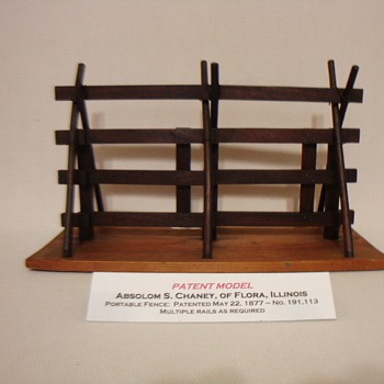 PATENT MODEL PORTABLE FENCE