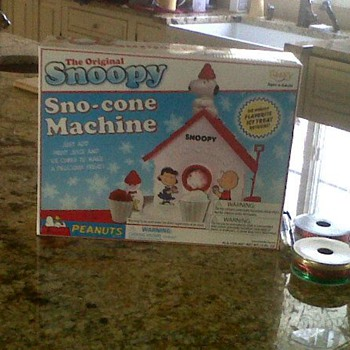 Snoopy Sno-cone Machine - Advertising
