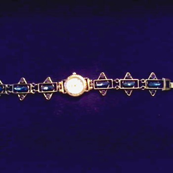 Rhinestone Bracelet Watch / Swiss Quartz Movement Assembled in Thailand / Circa 20th Century - Wristwatches