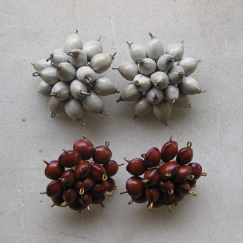50's seed cluster earrings - Costume Jewelry