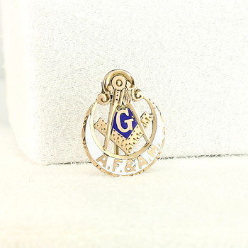 Antique Masonic Lunar Lodge Pin - I&R