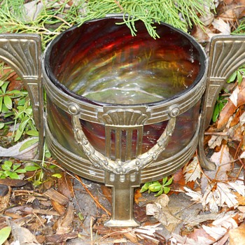 "Art Deco""Rindskopf "" Pepita, Brass Mount Center piece, Circa 1900"