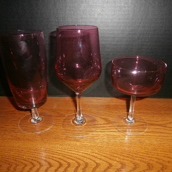 CRANBERRY STEMWARE  I LOVE THIS COLOR - Glassware