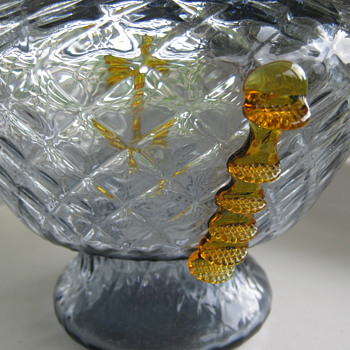 KRALIK QUILTED - DIAMOND VASE - Art Glass