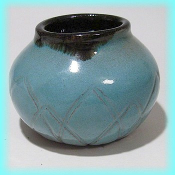 Vintage Pottery -- ISABEL 1957 - Pottery