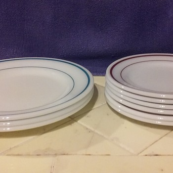 white glass PYREX 'diner plates'