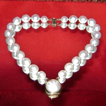 Vintage Trifari Bracelet - Costume Jewelry