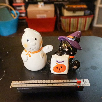 Halloween Salt & Pepper Shakers - Kitchen