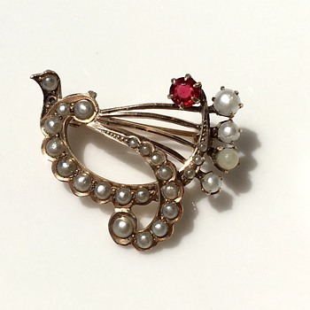 Seed pearls and ruby brooch
