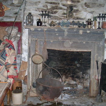 1820 fire place with pull out kettle and cook stuff - Kitchen