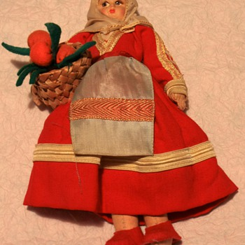 Vintage International Cloth & Felt Dolls - Dolls