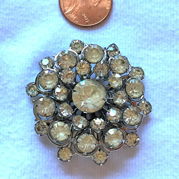 Unsigned Brooch-Who do you think the maker of this was? - Costume Jewelry
