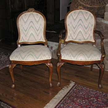 Help!  What are these chairs?  Thanks for any info!