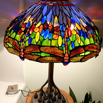 Tiffany Style Lamp, Rootball base